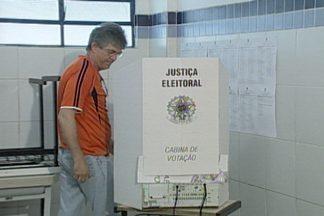 Governador da Paraíba e prefeito de João Pessoa também votaram pela manhã - Veja no vídeo.