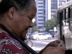 Milhões de brasileiros fazem questão de participar da festa da democracia - Desde o jovem eleitor que vota pela primeira vez, até ao aposentado, que não precisaria mais votar, passando pelos indígenas, muitos manifestaram a sua vontade política. Barreiras e dificuldades para chegar ao local de votação foram superadas.