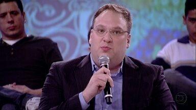 Fernando Coelho acha que o perfil dos concurseiros é bem parecido - Coordenador do curso de gestão da USP afirma que o salário do emprego público atrai os candidatos