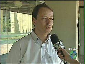 Secretário de Fazenda explica quais despesas devem ser mantidas em Londrina - Por conta da situação do caixa da prefeitura, despesas estão sendo selecionadas na cidade. O objetivo é terminar o ano com as contas em dia.