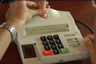 103.110 eleitores utilizaram o voto biométrico em seis municípios maranhenses - No município de Raposa, onde o sistema biométrico já faz parte do processo eleitoral desde as eleições de 2010, o problema foi o desrespeito à Lei Seca.