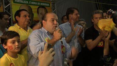 Roberto Cláudio comemorou sua ida para o segundo turno com os eleitores - Candidato do PSB só comemorou depois que 100% das urnas foram apuradas.