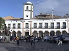 Dois dos três vereadores mais votados são reeleitos em Salvador - Menos da metade dos vereadores foi reeleita.