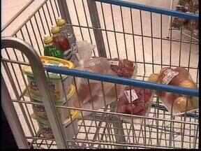 Levantamento mostra que açúcar e arroz subiram bem acima da inflação em 10 anos - UEPG faz pesquisa mensal de preços da cesta básica em Ponta Grossa