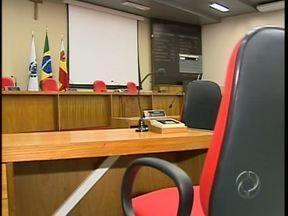 Conheça os vereadores que devem compor a Câmara de Maringá em 2013 - Por enquanto nove das quinze cadeiras vão ter novos representantes da população