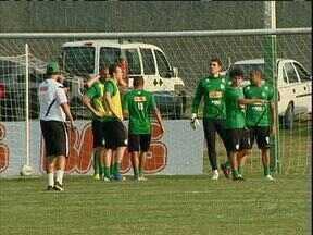 Coritiba pronto para partida decisiva contra Palmeiras - Coxa busca vitória diante de rival direto na luta contra rebaixamento para poder comemorar aniversário de 103 anos