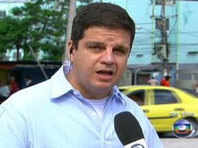 Polícia inicia trabalhos de patrulhamento nas favelas de Manguinhos e do Jacarezinho (RJ) - Cerca de 150 PMs vão vasculhar e revistar detalhadamente as comunidades a partir desta segunda (15). Serão utilizadas informações repassadas através do Disque Denúncia e da Inteligência da PM.