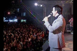 Padre Fábio de Melo abriu o Círio Musical - Cerca de 15 mil pessoas lotaram a Praça Santuário.