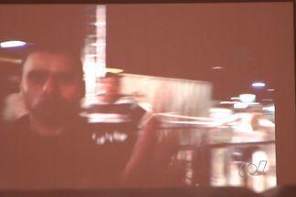 Após cancelamento do show de Pitbull, casal diz ser agredido por segurança de festa, em GO - Rapper iria se apresentar junto com o sertanejo Gusttavo Lima, em Goiânia.Devido ao transtorno, produção devolveu ingresso aos pagantes. Mas, casal afirma ter sido agredido no evento.