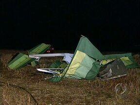 Corpo de comerciante morto em acidente com ultraleve é enterrado em Londrina - O acidente foi próximo ao aeroporto 14 Bis no sábado à noite. Segundo informações preliminares o ultraleve teria quebrado a asa.