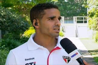 Agora no G4, Douglas quer São Paulo vice-líder do Brasileirão - Jogador marcou um dos gols do Tricolor na vitória contra o Figueirense e tem como objetivo se tornar titular na lateral.