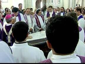Monsenhor Juvenal Arduini morre em Uberaba, MG, aos 94 anos - Ele faleceu por insuficiência respiratória e complicações de uma pneumonia.O sacerdote foi professor universitário e cofundador de universidades.