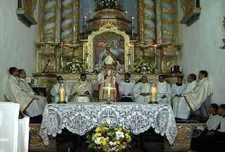 Igreja de Divina Pastora foi elevada a santuário arquidiocesano - Fiéis da Igreja Católica comemoraram, no fim de semana, a realização de um sonho: a igreja matriz do município de Divina Pastora foi elevada a santuário arquidiocesano