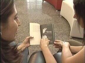 Grupo de professoras de Umuarama escreve livro - Elas contam histórias da profissão em crônicas