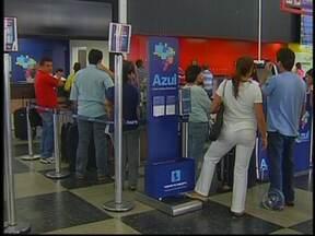 Passageiros do noroeste paulista têm transtornos com voos após interdição de aeroporto - Depois de 50 horas suspensos, os voos da companhia Azul foram liberados. Um avião de carga, que teve problemas e impedia o tráfego na única pista do aeroporto de Campinas (SP), foi removido. Passageiros do noroeste paulista enfrentam transtornos.