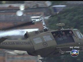 Polícia Militar faz operação no Morro do Chapadão, no Rio - A operação da Polícia Militar no Morro do Chapadão, em Costa Barros, conta com o apoio do batalhão de Irajá. O objetivo é combater o tráfico de drogas.