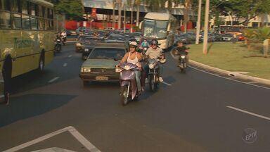 """Falta de uso da """"seta"""" prejudica motoristas no trânsito da região de Campinas - O desuso da """"seta"""" que sinaliza as conversões dos motoristas prejudica o trânsito nas cidades e nas estradas de Campinas e região."""