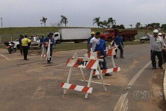 Trânsito na Avenida Perimetral Norte é liberado, em Goiânia - A liberação aconteceu na tarde desta quinta-feira (1), após 21 dias de interdição. Umas das pistas ficou interditada para obras de duas galerias de água pluvial que agora atenderá região do Setor Urias Magalhães.
