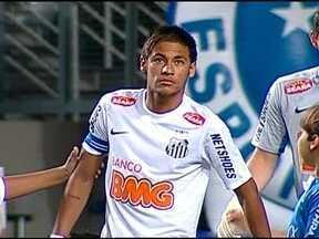 Neymar dá show, marca três gols e Santos vence o Cruzeiro - Flamengo bate o Figueirense e respira aliviado. Já o Grêmio vence a ponte e vê Libertadores mais perto.