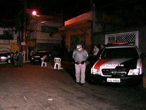 São Paulo tem 191 pessoas assassinadas em apenas 30 dias - Só da noite desta segunda-feira (5) até as 8h30 da manhã desta terça-feira (6), foram dez mortos, a maioria na Zona Norte da capital. Embu das Artes foi a cidade que teve o maior número de mortes nesses 30 dias: foram 12.