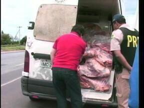 Cerca de duas toneladas de carne são apreendidas em Alegrete, RS - Produto será incinerado.