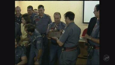 Corpo de Bombeiros de Ribeirão recebe troféu em campanha - Grupamento da cidade levou o primeiro lugar no projeto 'Bombeiro sangue bom'.