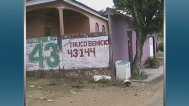 Candidatos em Manacapuru ainda não retiram propaganda eleitoral - Em Manacapuru, a região metropolitana de Manaus, muitos candidatos que disputaram a última eleição ainda não retiraram a propaganda eleitoral das ruas.