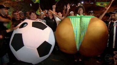 A Bola e Bunda foram perguntar por aí: quem é a preferida? - Elas querem saber quem é a maior paixão nacional