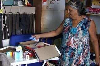 Campanha quer incentivar o descarte correto de medicamentos, em Goiás - A Secretaria de Saúde lançou nesta semana uma campanha para incentivar o descarte correto dos medicamentos. Pontos de coleta já foram colocados em farmácias da capital.