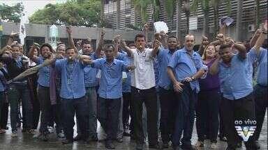 Greve dos funcionários do transporte público continua em Cubatão, SP - Moradores da cidade que dependem do serviço precisam ter paciência.
