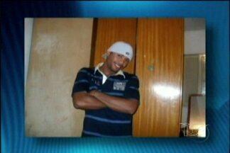 Será enterrado em Cururupu o corpo do maranhense Renato Gomes Ferraz, morto em São Paulo - O corpo do rapaz, de 22 anos, chegou a São Luís na tarde desta terça-feira (12).