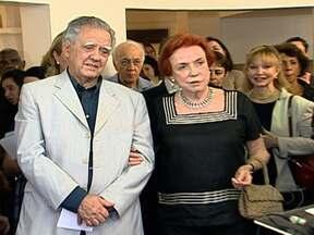 Lucy e Luiz Carlos Barreto são homenageados por 50 anos de contribuição ao cinema - O casal Lucy e Luiz Carlos Barreto têm 58 anos de casados e 50 dedicados ao cinema nacional. Eles receberam admiradores e amigos em uma noite de homenagens para celebrar o currículo de 80 filmes.