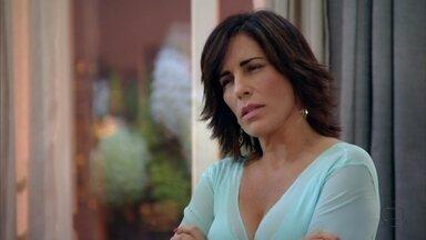 Roberta promete guardar segredo sobre romance entre Felipe e Vânia - Ele quer garantias que ela não está mentindo, ela quer que ele vá embora logo. Enquanto isso, Nando tenta consolar Ulisses e lhe aconselha a provar para Carolina que ele é um campeão