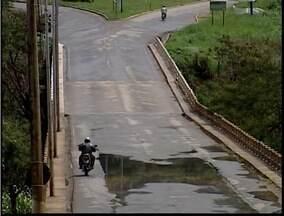 Situação da ponte entre Timóteo e Fabriciano causa transtornos para a população - Situação da ponte entre Timóteo e Fabriciano causa transtornos para a população.