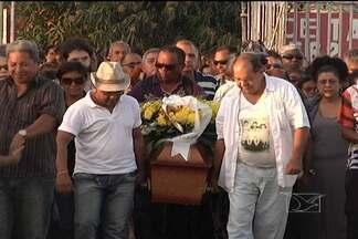 Corpo da pesquisadora Maria Michol é enterrado nesta terça (13), em São Luís - Maria Michol Carvalho foi diretora do Centro de Cultura Popular Domingos Vieira Filho.