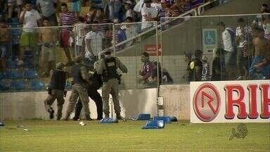 619 cadeiras foram destruídos no PV após jogo - Órgãos dizem que vão cobrar de clubes e torcidas o dano causado ao estádio.