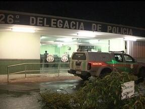 Noite em Samambaia e Santa Maria é marcada por homicídios - Um adolescente foi apreendido depois de matar um homem, de 34 anos, por vingança, em Samambaia Norte. Em Santa Maria, um homem foi morto a facadas depois de agredir a mulher.