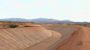Obras de transposição do Rio São Francisco em Mauriti estão paradas - Prazo inicial para conclusão era de 2012. Novo prazo para conclusão em 2014, mas água será distribuida somente em 2015.