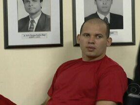 Macarrão afirma que Bruno encomendou a morte de Eliza Samudio - À juíza, ela contou que viu Eliza na casa de Bruno, no Rio, e que a ex-amante do goleiro tinha ferimentos no rosto, ao contrário do que tinha afirmado à polícia em 2010, quando disse que não viu Eliza. Ele prestou depoimento nesta madrugada, em MG.