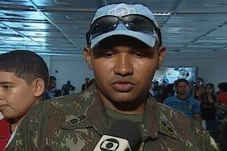 Soldados paraibanos embarcam para o Haiti - Soldados do exército da Paraíba e de mais quatro estados vão passar cerca de sete meses trabalhando em missão de paz no país.