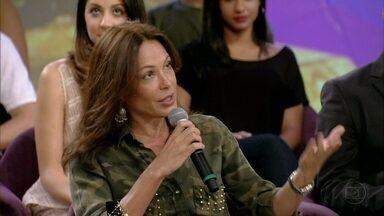 Carolina Ferraz explica o que é luxo para ela - Atriz acha que esse mercado está tentando se popularizar