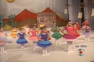 Começa nesta terça a festa de aniversário de 49 anos do teatro Severino Cabral, em CG - Veja um ensaio de uma das atrações desta terça, o balé infantil Aquarela.