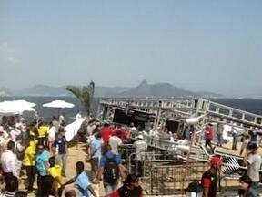 Corpo de baiana morta em acidente no Rio de Janeiro é enterrado em Salvador - Ela estava na Feira Nacional de Agricultura Familiar, quando um vendaval derrubou uma estrutura de metal sobre o público.