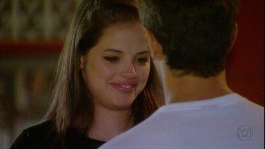 Malhação - Capítulo de sexta-feira, dia 30/11/2012, na íntegra - Ju fica nervosa com o beijo e eles decidem ficar só na amizade