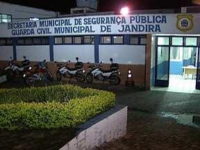 Polícia registra nove assassinatos durante madrugada na Grande São Paulo - A polícia registrou pelo menos nove assassinatos na madrugada de segunda-feira (3) na Grande São Paulo. Só em Jandira foram três. Uma das vítimas era um guarda municipal.