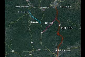 Tráfego é bloqueado em trecho da RS 122, na Serra - Área entre São Vendelino e Farroupilha deve ficar interditada até a tarde desta quarta-feira. Barreira ameaça cair sobre a pista e será detonada pelo Daer.
