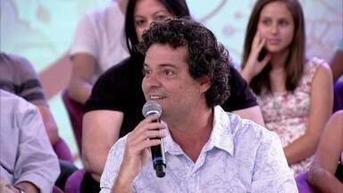 Felipe Camargo: 'O pai tenta suprir os momentos que a mãe está exausta' - Ator diz que os pais pegam uma carona no momento da mãe