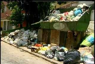 Moradores de Petrópolis enfrentam o problema do acúmulo de lixo na cidade - Falhas no serviço de coleta estão deixando vários bairros em péssimas situações.