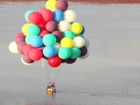 Aventureiro se prepara para flutuar da América à Europa levado por balões - O aventureiro usará 365 balões amarrados em um bote. Jonathan Trapp quer cruzar o Oceano Atlântico. Ele sairá do norte dos EUA e não sabe exatamente onde vai pousar.
