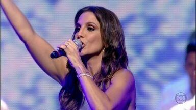 Bateria da mocidade e Ivete Sangalo abrem o 'Show da Virada' com muita energia - A cantora dedicou o show ao diretor Marcos Paulo